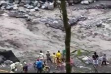 Akibat Hujan, Lahar Dingin Genangi Area Pertambangan di Lumajang - JPNN.com Jatim
