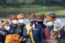 Berkunjung Ke Ranupani Lumajang, Sandiaga Terkagum Melihat ini - JPNN.com Jatim