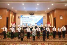 Usai Dilantik dan Orientasi, 16 Orang JPT Pratama Terima SPMT dari Gubernur - JPNN.com Jatim