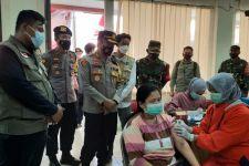 SEMMI Salurkan 2.000 Dosis Vaksin COVID-19 kepada Warga Surabaya - JPNN.com Jatim