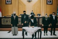 APBD-P Kota Surabaya 2021 Sebesar Rp8,9 Triliun, Ketua DPRD: Anggaran itu Sudah Berpihak Kepada Masyarakat Kecil - JPNN.com Jatim