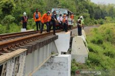 Jelang Musim Hujan, PT KAI Daop 9 Jember Lakukan Persiapan Berikut - JPNN.com Jatim