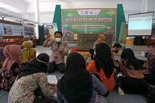 Peringati Hari Museum Nasional, Pemkot Kediri Ajak Remaja Belajar Aksara Jawa Kuno - JPNN.com Jatim