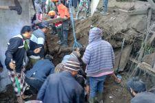 Sulitnya Tim Rescue Evakuasi Korban Gempa di Bangli; Naik Speed Boat Lewat Danau Batur - JPNN.com Bali