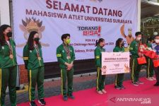 Raih Medali PON Papua 2021, 7 Mahasiswa Ubaya Dihadiahi Beasiswa dari Kampus - JPNN.com Jatim