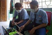 MTsN 2 Kota Kediri Juara Pertama Kompetisi Robotik Nasional, Mas Abu Merasa Bangga - JPNN.com Jatim