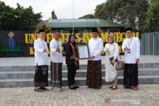 Rektor Kampus di Jember ini Raih Penghargaan MURI, Prestasinya Bikin Geleng-geleng - JPNN.com Jatim