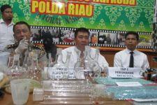 Diserbu Polisi, Bandar Sabu Kabur Lewat Genteng Rumah Istri Muda - JPNN.com