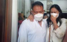 Beredar Hoaks Vicky Prasetyo Meninggal Dunia, Kalina Ocktaranny Bilang Begini - JPNN.com