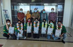 9 Mahasiswa UM Surabaya Berlaga di PON XX Papua, Kampus Berikan Dukungan Uang Saku - JPNN.com
