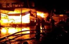 Toko Swalayan Cahaya di Cilandak Terbakar, Apinya Besar Banget, Lihat Fotonya - JPNN.com
