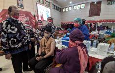 Vaksinasi Merdeka di Kampus UWK Surabaya Sasar Ribuan Mahasiswa dan Masyarakat - JPNN.com
