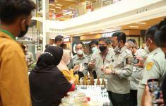 Gelar Lapak di Pasar Tani Goes to Mall, Petani Raih Omzet Rp 1 juta Per Hari - JPNN.com
