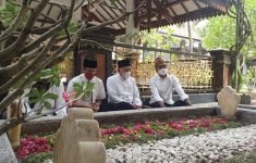 Nadiem Makarim Dapat Kehormatan Tidur di Kamar KH Hasyim Asyari - JPNN.com