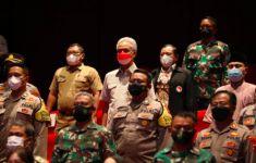 Nonton Film The Mentors, Kisah Eks Napi Terorisme, Begini Reaksi Ganjar - JPNN.com