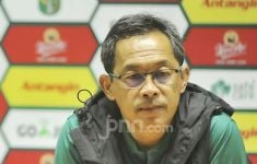Persebaya vs Bhayangkara FC 0-1, Begini Respons Aji Santoso - JPNN.com