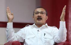 BEM SI Mengultimatum Jokowi, Ferdinand: Konyol! - JPNN.com