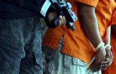 Setiap Beraksi, Perampok Minimarket Bawa Senjata Api - JPNN.com