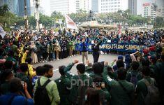 Ultimatum Jokowi, BEM SI Malah Disebut Pahlawan Kesiangan Oleh Sesama Mahasiswa - JPNN.com