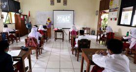 Organisasi Guru Curiga PTM Terbatas di Jakarta Bermuatan Bisnis - JPNN.com