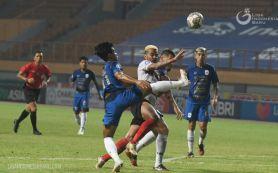 Madura United Dibekuk Persija Jakarta 2-3, Striker Melempem - JPNN.com