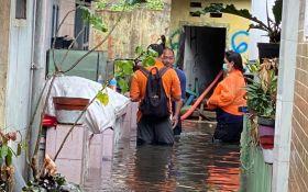Hujan Deras, 230 Rumah di Kota Malang Terendam Banjir - JPNN.com Jatim