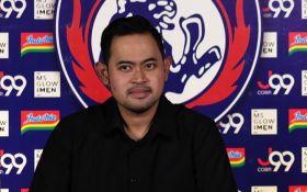 Bus Arema FC Diserang di Yogya, Gilang Widya Singgung Dendam Antara Tim - JPNN.com Jatim