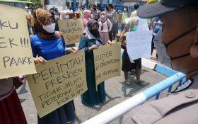 Peternak Tulungagung Berunjuk Rasa, Tuntut Harga Jagung Diturunkan - JPNN.com Jatim