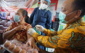 Vaksinasi Lansia di Tulungagung Berhadiah Telur, Dinkes: Efektif Tingkatkan Jumlah Peserta - JPNN.com Jatim