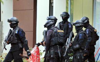 Terduga Teroris di Pekayon Baru 3 Bulan Buka Kios - JPNN.com
