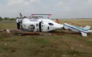 Helikopter Terguling di Bandara Sugiarto Curug, Kemenhub: Pilot, Co-Pilot dan Teknisi Selamat - JPNN.com