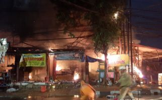 Swalayan Cahaya Pasar Minggu Terbakar, Polisi Olah TKP, Hasilnya? - JPNN.com