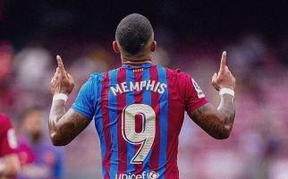 Barcelona Kehabisan Bensin, Memphis Depay Menyesal Tinggalkan Lyon? - JPNN.com