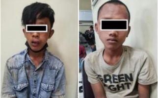Berbuat Terlarang, 2 Pemuda Dihajar Massa, Lalu Ditangkap Polisi - JPNN.com
