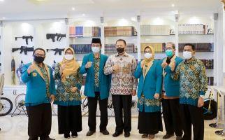 Soroti Kesenjangan Guru Madrasah dengan Sekolah Umum, Bamsoet: Sangat Ironis! - JPNN.com