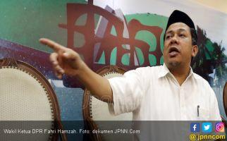 Sebut Oposisi Penakut, Fahri Hamzah Dinilai Mengkritik Diri Sendiri - JPNN.com