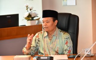 HNW Sebut KH Ahmad Sanusi Sosok Teladan Merawat Kebangsaan dan Persatuan Umat - JPNN.com