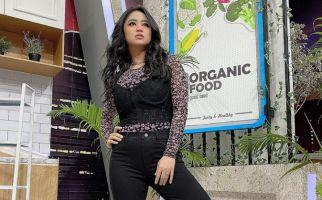 Dewi Perssik Ribut dengan Denise Chariesta, Begini Kronologinya - JPNN.com
