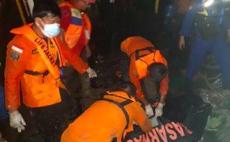 Jasad Wawan Saputra Sang Kapten Kapal TB Green Lacosta Akhirnya Ditemukan di Perairan Meranti - JPNN.com
