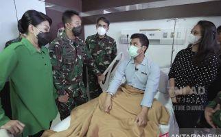Jenguk Perwira Muda yang Mengidap Kanker, KSAD: Sakka Harus Bisa Lanjutkan Cita-cita Papa - JPNN.com