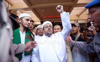 Aziz Sebut ada Operasi Intelijen Berskala Besar di Perkara Rizieq Shihab, Mirip Kisah Bung Karno - JPNN.com