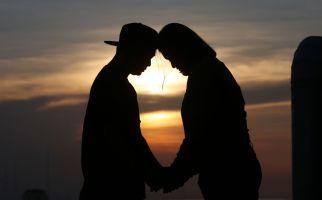 5 Sifat Wanita yang Membuat Kekasih Tak Akan Melirik Wanita Lain - JPNN.com