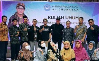 Pemilik Rumah Makan Gratis Berbagi Kisah Suksesnya - JPNN.com