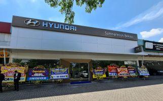 Dealer Pertama Hyundai di Bekasi, Sudah Ada Stasiun Pengecasan Mobil Listrik - JPNN.com