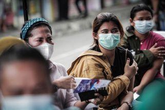 Vaksinasi Jatim Baru 8,36 Persen, Khofifah ke Kepala Daerah: Habiskan Dosis yang Ada! - JPNN.com Jatim