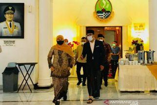 Wow, Bu Khofifah Minta Kang Emil Desain Masjid Islamic Center Surabaya - JPNN.com Jatim