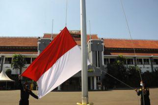 Masih Banyak Perkantoran Tak Pasang Umbul-Umbul Merah Putih - JPNN.com Jatim