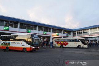 Surabaya Sudah Level 1, Dua Terminal Besar Ini Masih Sepi Penumpang - JPNN.com Jatim
