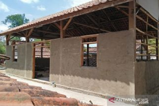 132 Kediaman Warga Sampang Dapat Bantuan Bedah Rumah dari Pemkab - JPNN.com Jatim
