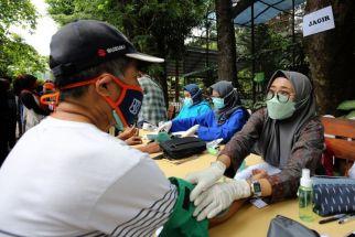Gubernur Jatim Dituntut Proaktif Tingkatkan Capaian Vaksinasi di Surabaya Raya - JPNN.com Jatim